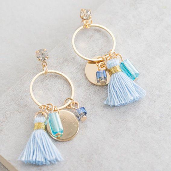 Pompon bleuté - Boucles d'oreille et bijoux tendances