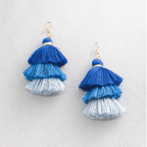 Pompons santeria bleu clair - Boucles d'oreille et bijoux tendances