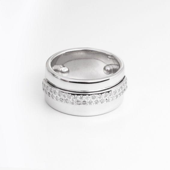 - White gold ring 18K + 41 diamonds