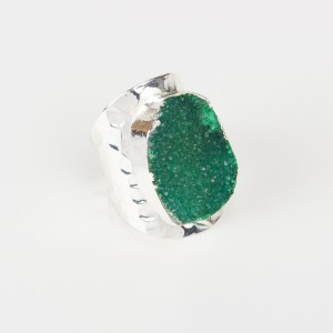 Bypa - dark green stone ring