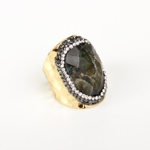 Bypa - Emerald Stone Ring